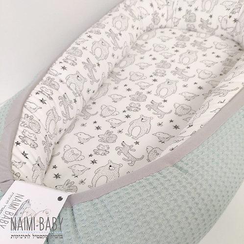 בייבי נסט - חיות יער לבן ופיקה מנטה עם פס חיבור אפור בהיר