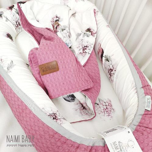 special limited edition - בייבי נסט - פרחים גרסי ופיקה ורוד שושנה עם שמיכה תואמת