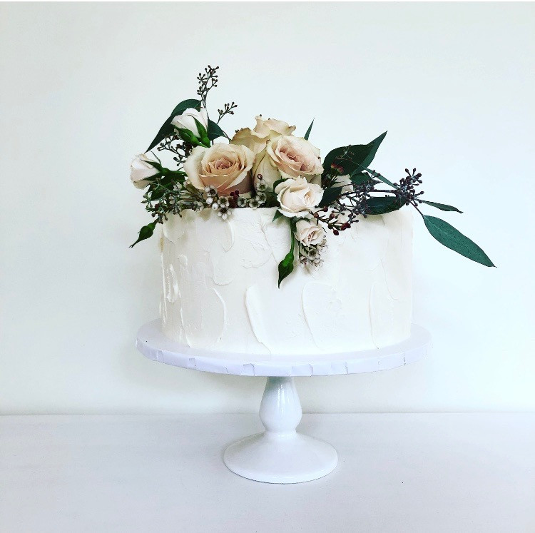 Light Textured with Fresh Flowers