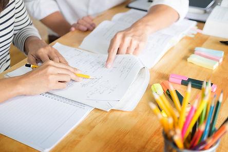 woman learn and teach tutor concept educ