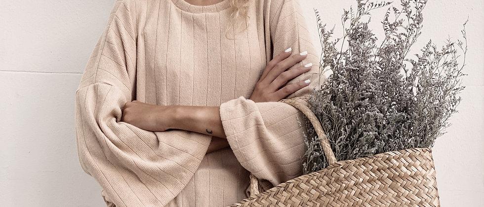 Sweater Over Era / Beige