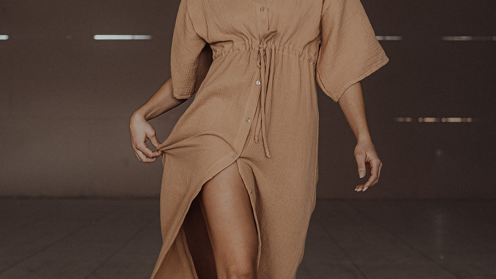 Hailey Dress / Tostado