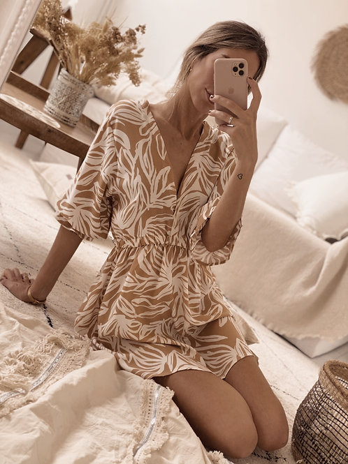 Little Serena Dress / Camel & Off White