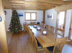 Dining area (with Christmas tree)