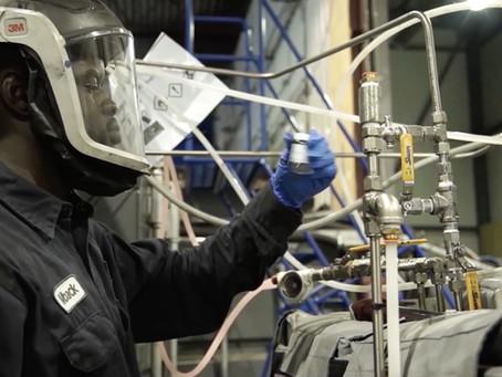 Recyclage valorisant et micro-ondes – Comment les entreprises canadiennes ouvrent la voie en matière