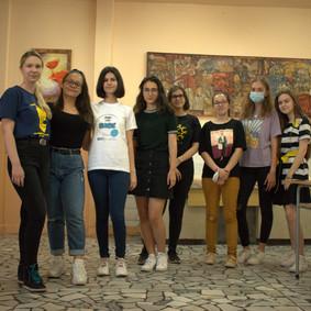 Победителите в състезанията по речеви умения и дебати на английски език получиха своите награди