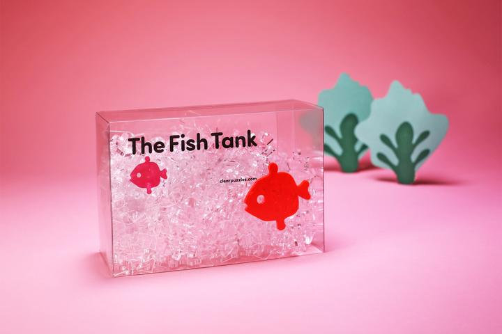 碎玻璃系列 - The Fish Tank 魚缸 160塊 (28×45.4cm)