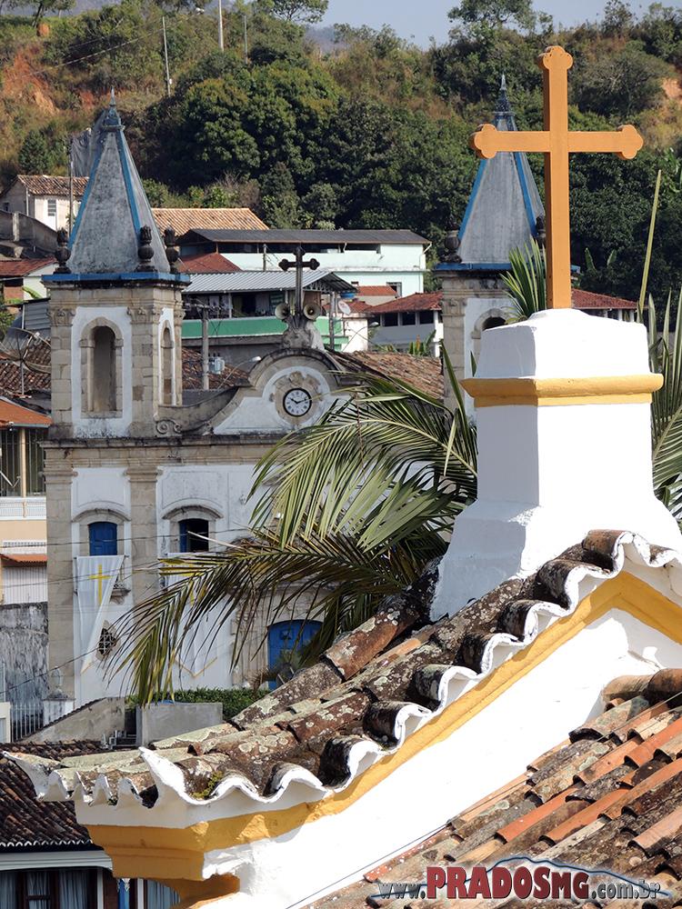 Cruz da Capela com a Matriz ao fundo