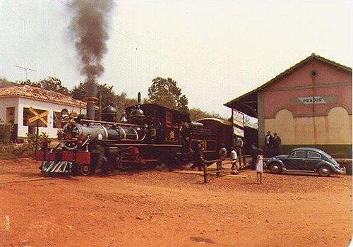 Trem na Estação de Prados