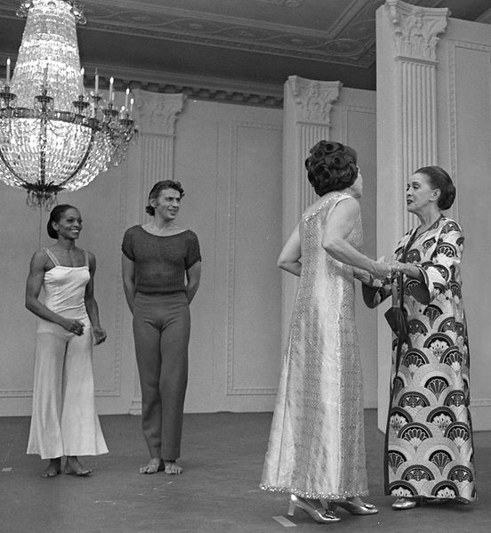 Mary Hinkson and Bertram Ross with Lady Bird Johnson and Martha Graham at the White House, Oct. 9, 1968,Robert Knudsen, photographer,  Courtesy of the Lyndon B. Johnson Library and Museum.