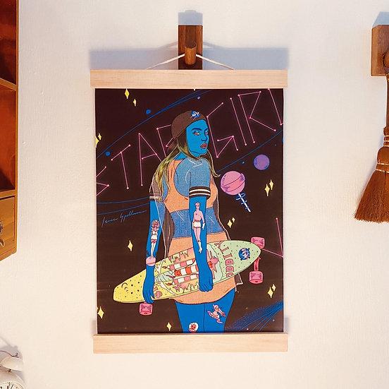 "Isaac Spellman巫男 | ""Stargirl"" Fabric Print 掛畫"