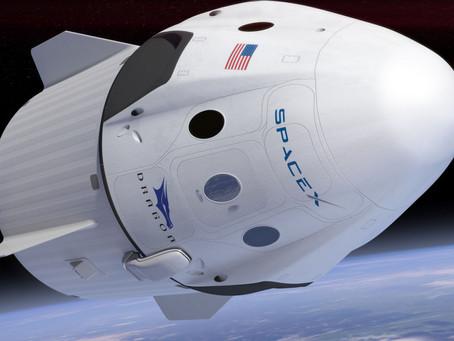 Успешный запуск с астронавтами на борту. Красивый полёт Crew Dragon.