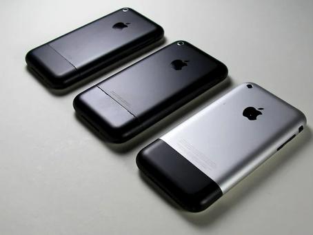 Найден прототип первого iPhone в чёрном цвете..