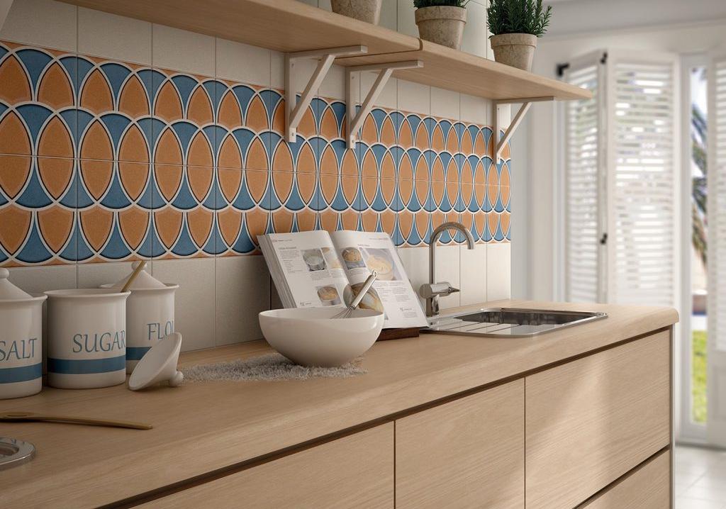 אריחי פורצלן מעוטרים למטבח