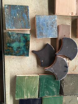 אריחי טרה קוטה מיוצרים בעבודת יד