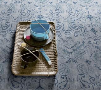 אריח שטיח בעיטור כחול