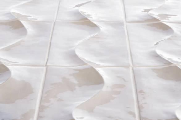 אריחי תבליטי בצורת גל לחיפוי קיר
