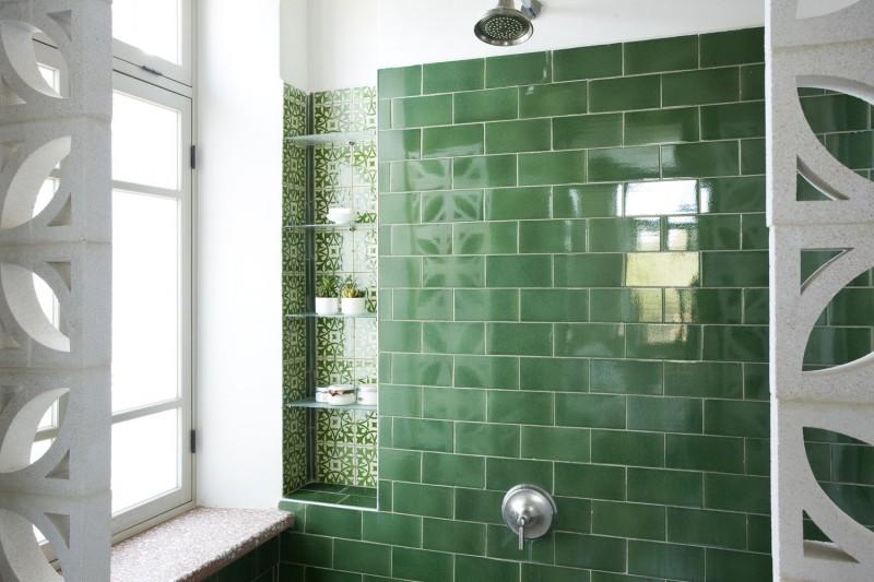 עיצוב חדרי אמבטיה בצבע