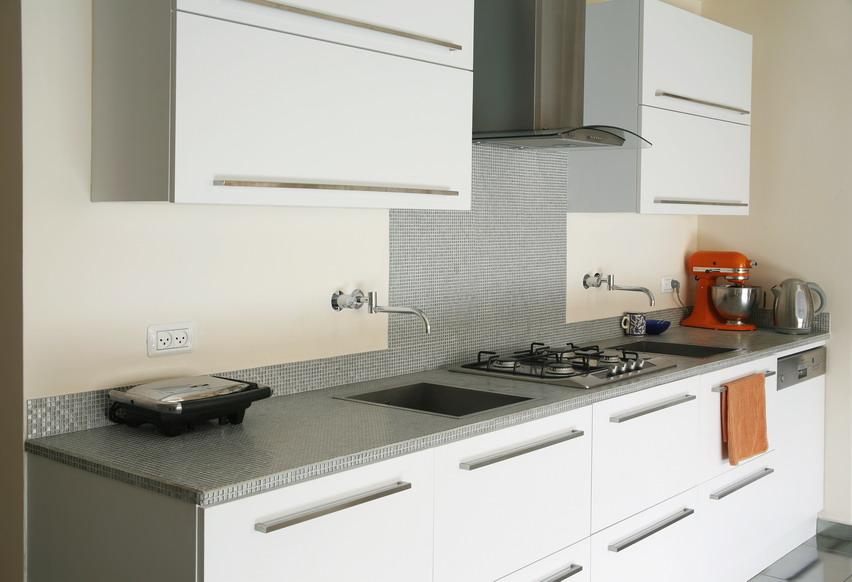 פסיפס לחיפוי משטח עבודה במטבח