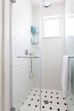 אריחי מתומן לאמבטיה