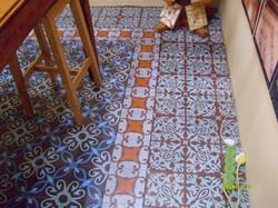 שילוב של דוגמאות מאריחי בטון מעוטרים