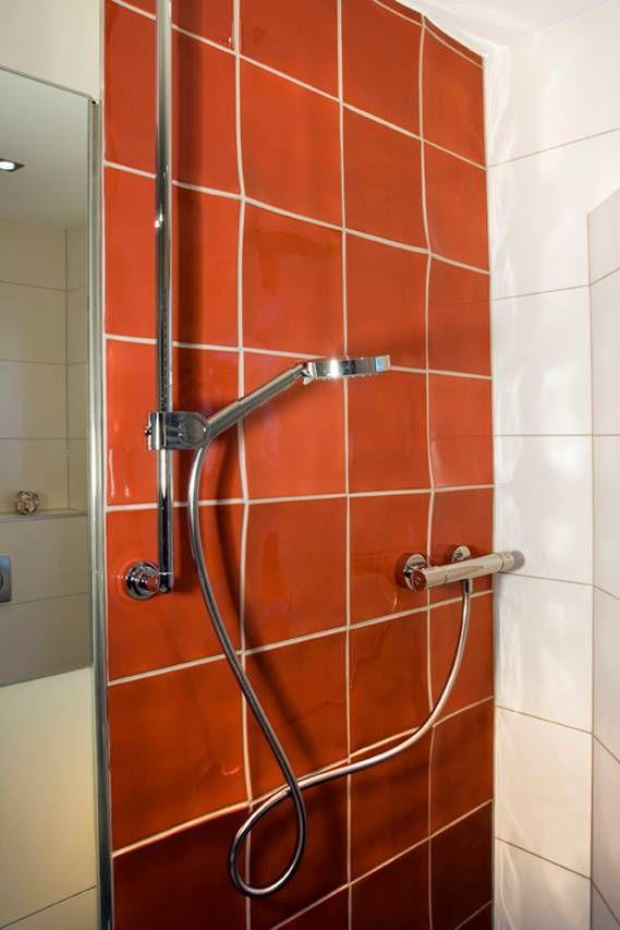 קרמיקה תבליטית לאמבטיה