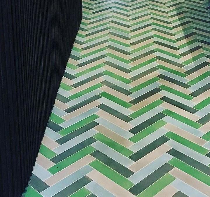 בריקים צבעוניים מבטון