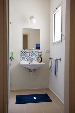 קרמיקה לאמבטיה ולשרותי אורחים