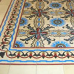 שטיח מאריחי בטון מעוטרים