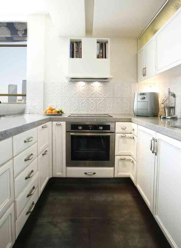 חיפוי קירות מטבח באריחי תבליט לבנים