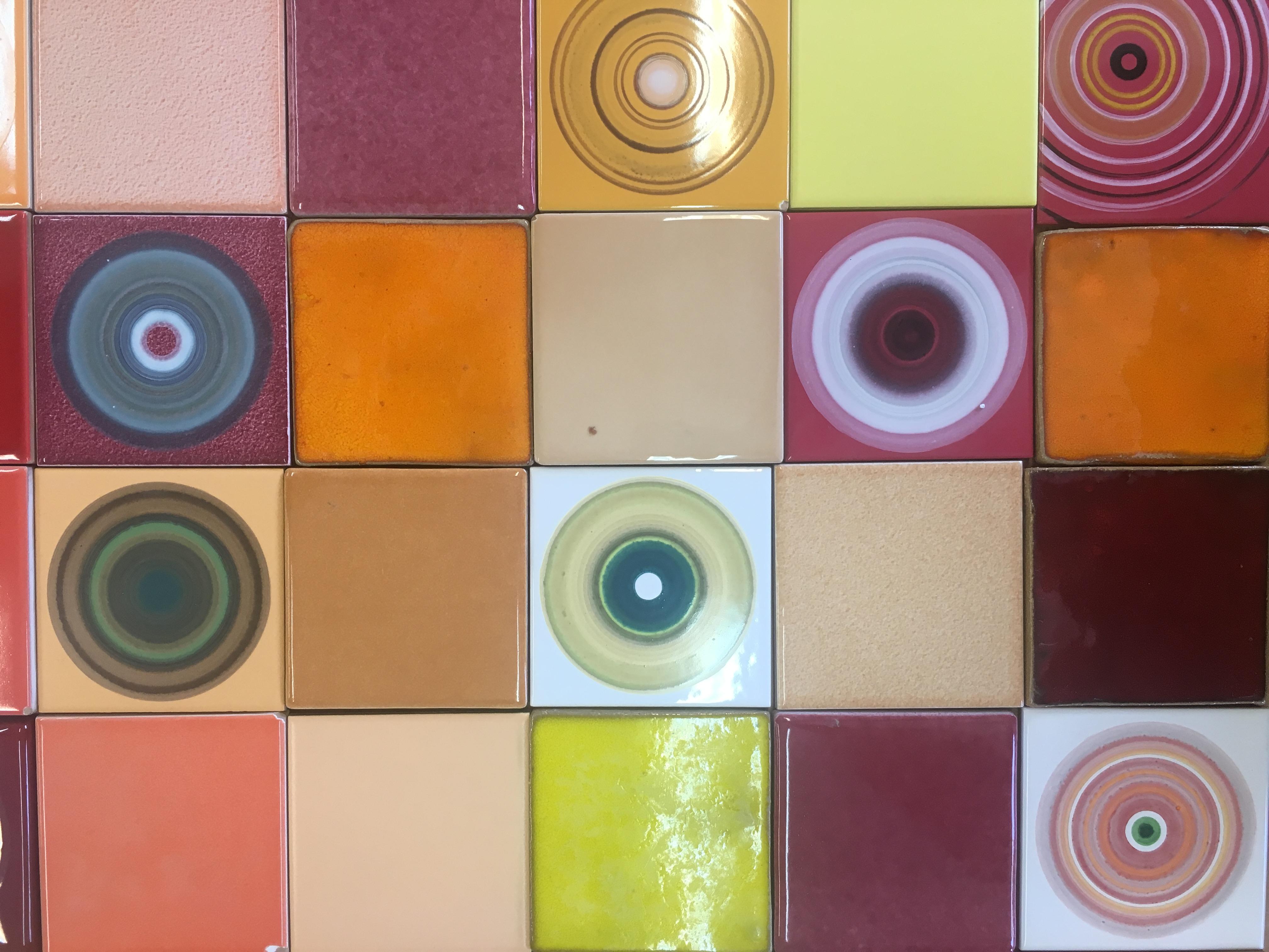 קרמיקה צבעונית אריחים צבעוניים