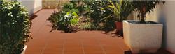 קלינקר וטרה קוטה בגווני אדמה