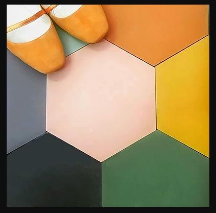 אריחי משושה צבעוניים