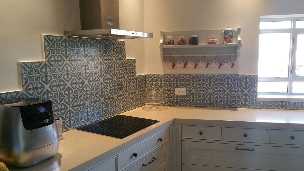 Light Kitchen Tiles