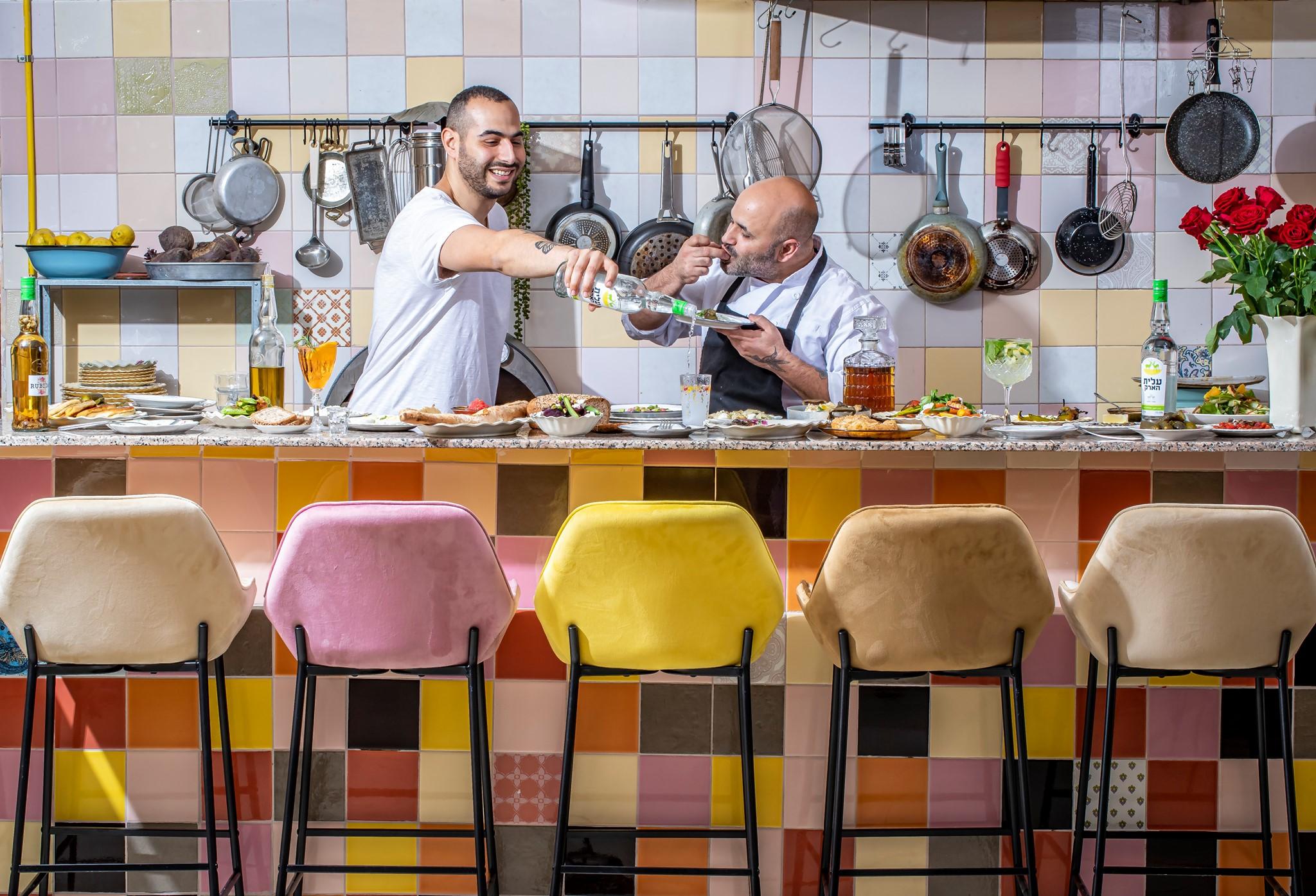 אריחים צבעוניים מסעדת רובידה