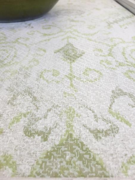 אריח אנטי סליפ מעוטר במוטיב שטיח ישן