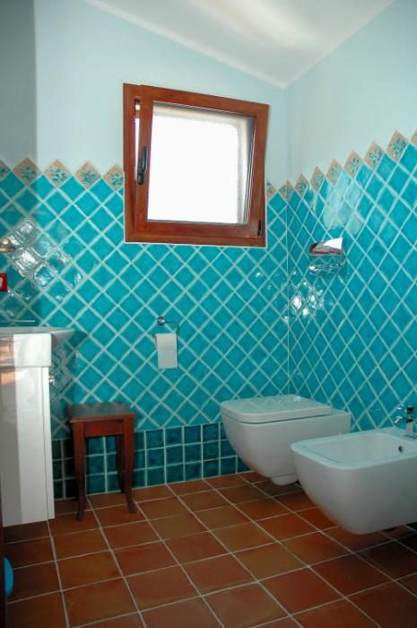 קרמיקה בטורקיז לאמבטיה