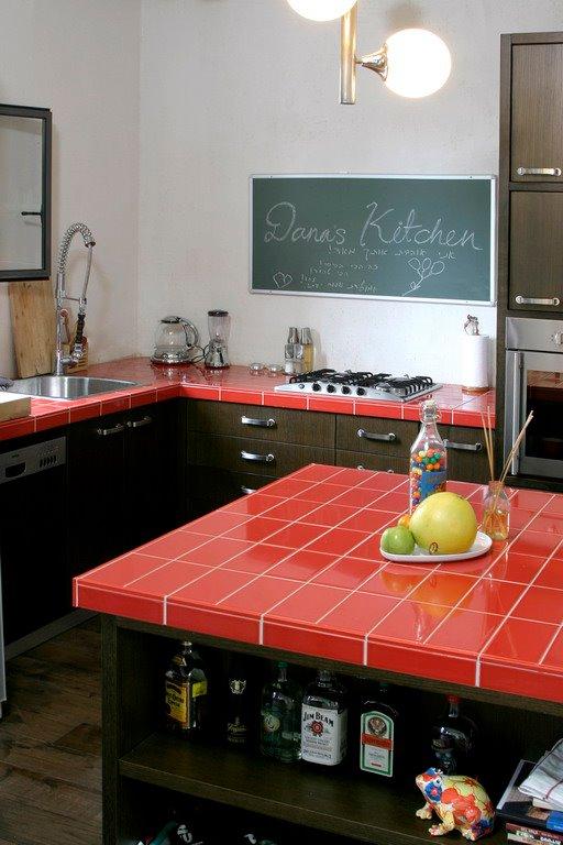 משטחי עבודה במטבח מחופי אריחים