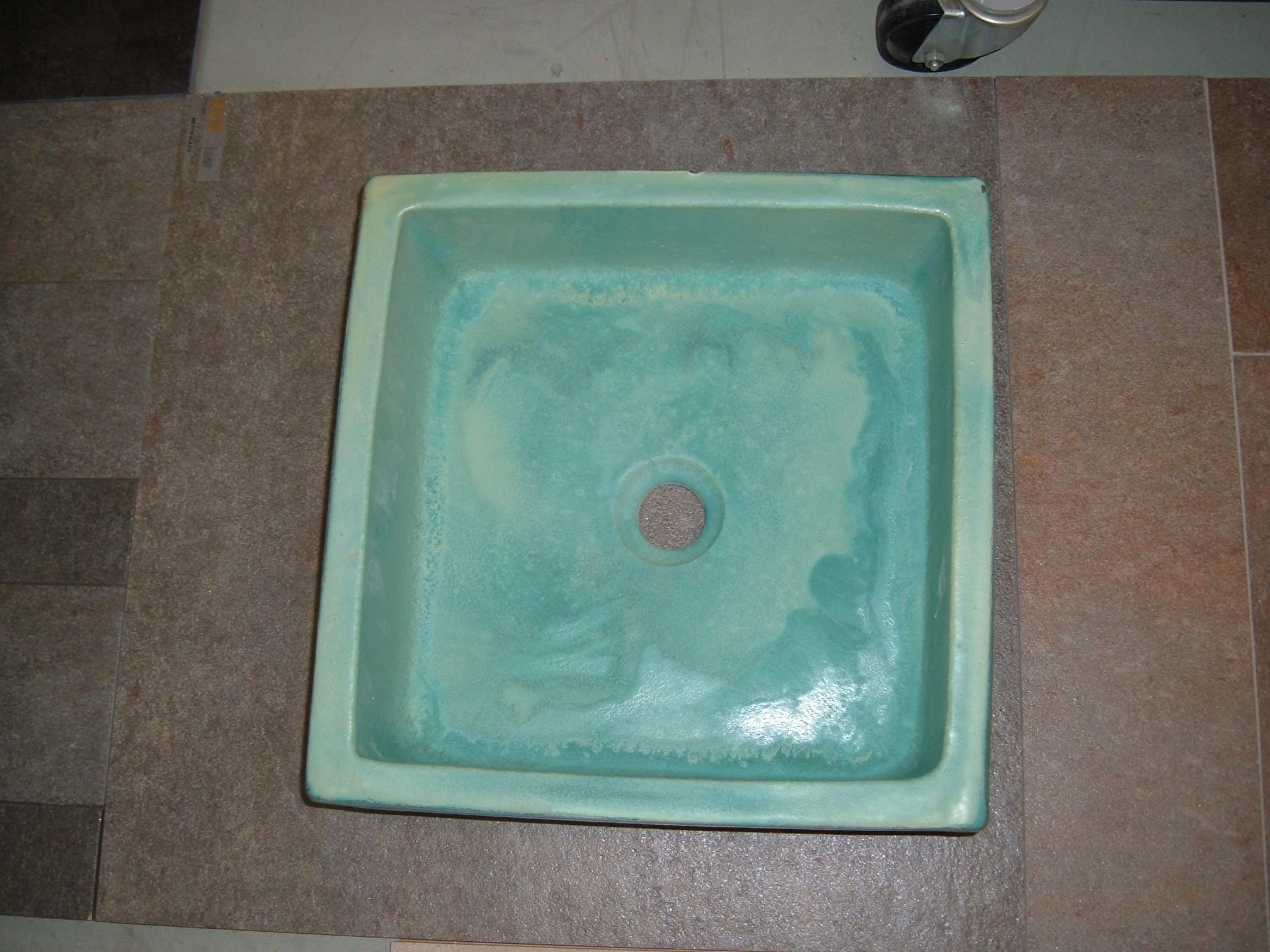כיור רחצה צבעוני