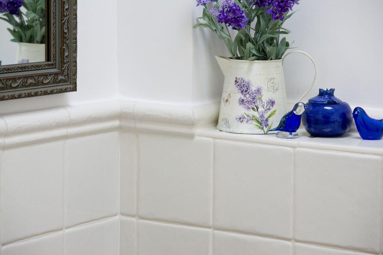 גמר חיפוי אריחי קרמיקה לאמבטיה