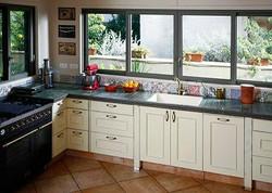 אריחים ליצירת משטחים במטבח