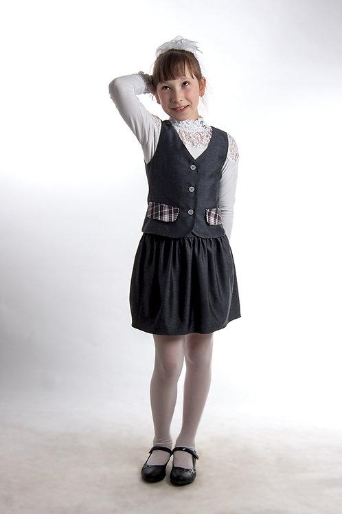 Жилет для девочки классический серая костюмная + белая клетка