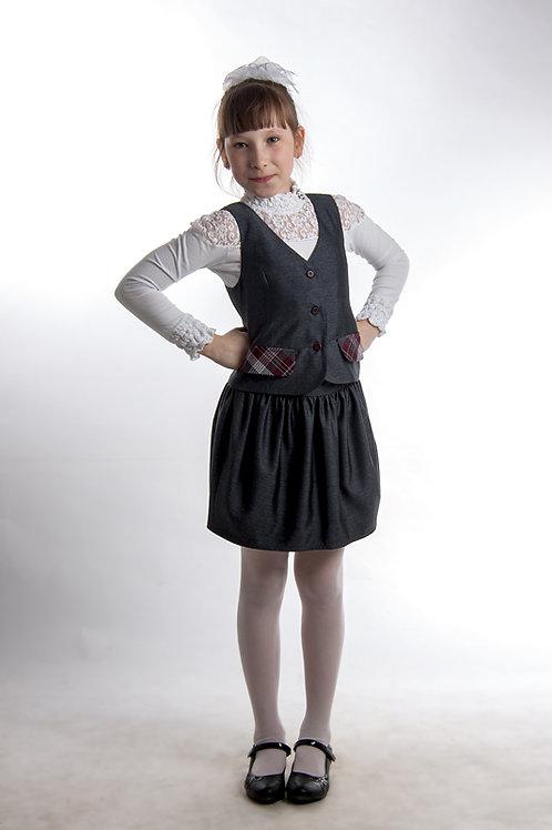 Жилет для девочки классический серая костюмная + бордовая клетка