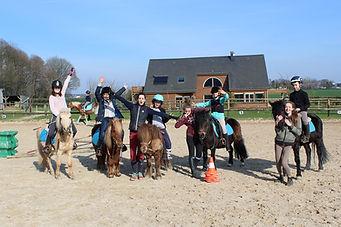 Equipe_pony_games_fête_du_club_Fanny.JPG