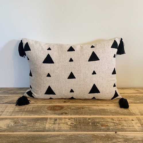 Cream/black pillow triangle with tassels