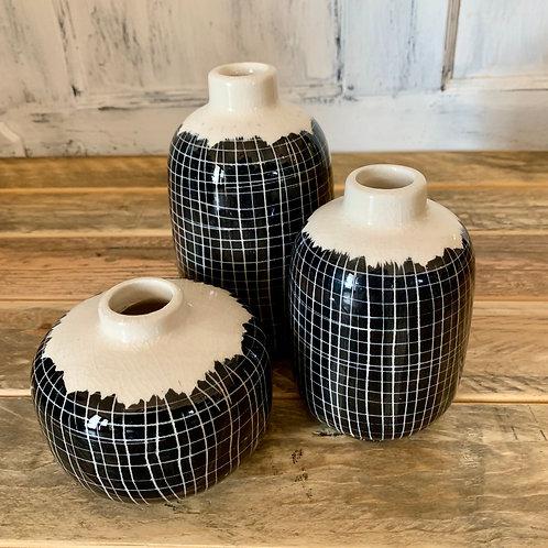 Set of 3 black/white vases
