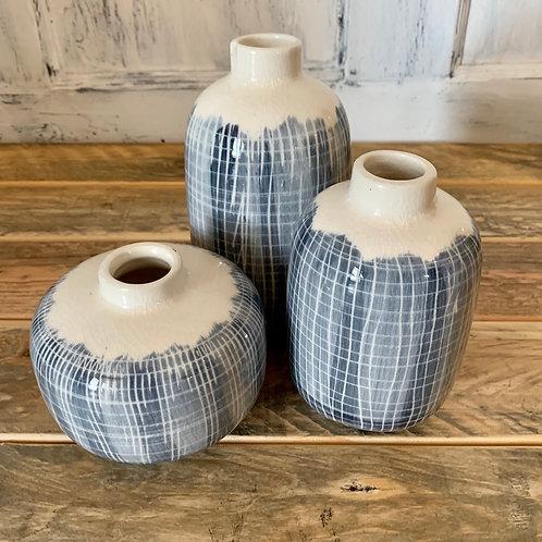 Set of 3 blue and white vases