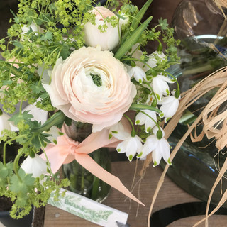 Ranunculus and Snowflake posy pot