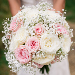 White and pale pink rose bouquet