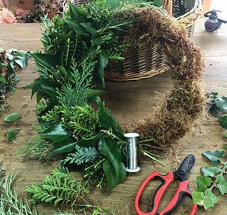 Wreath Making at Harri May Flowers_edited.jpg